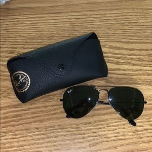 Black Aviator Ray Bans